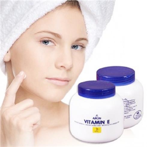 Dưỡng thể Vitamin E Aron Thái Lan