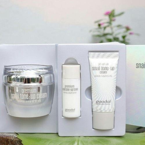 Kem Dưỡng Ốc Sên Goodal Premium Snail Tone Up Cream Hàn Quốc